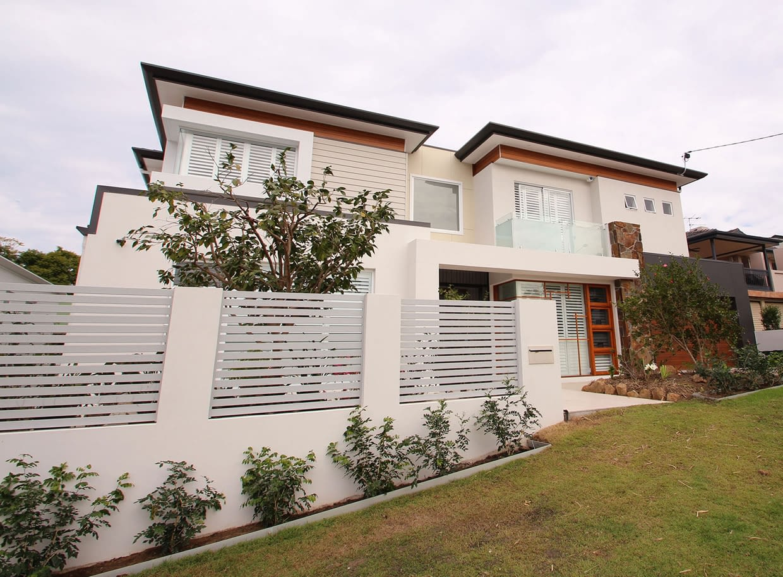 Sloping Block New Home - Garema