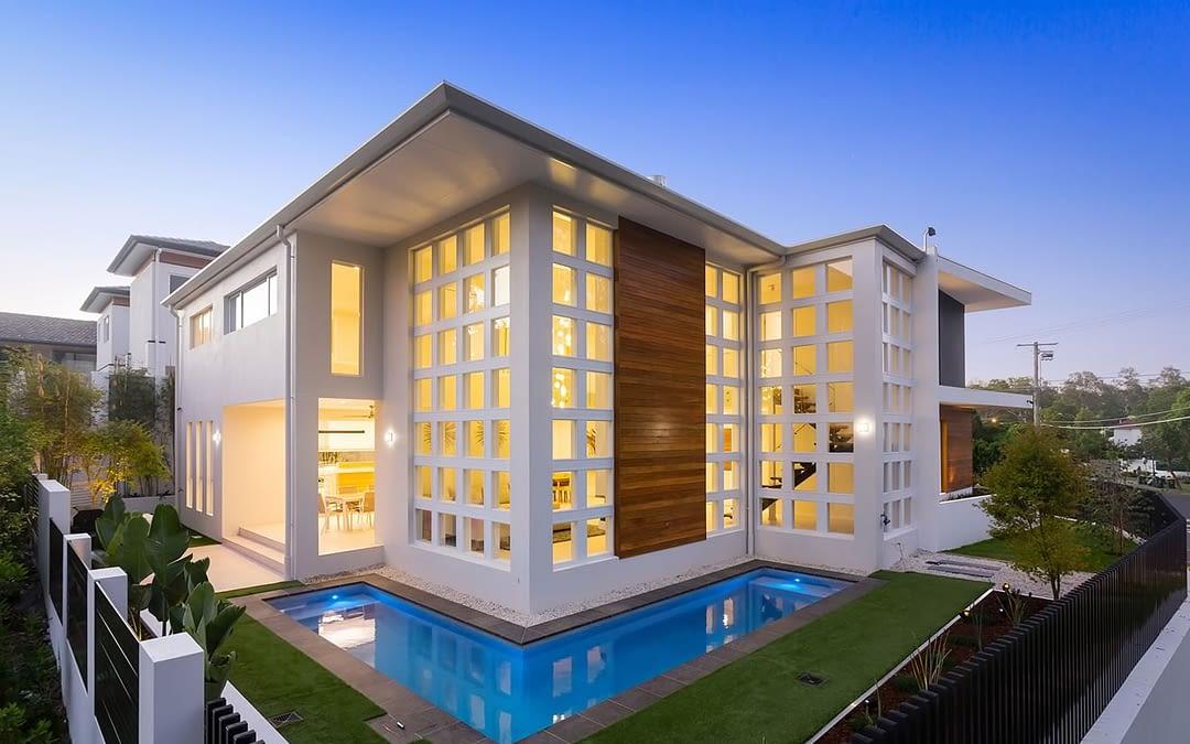 Custom luxury home builders