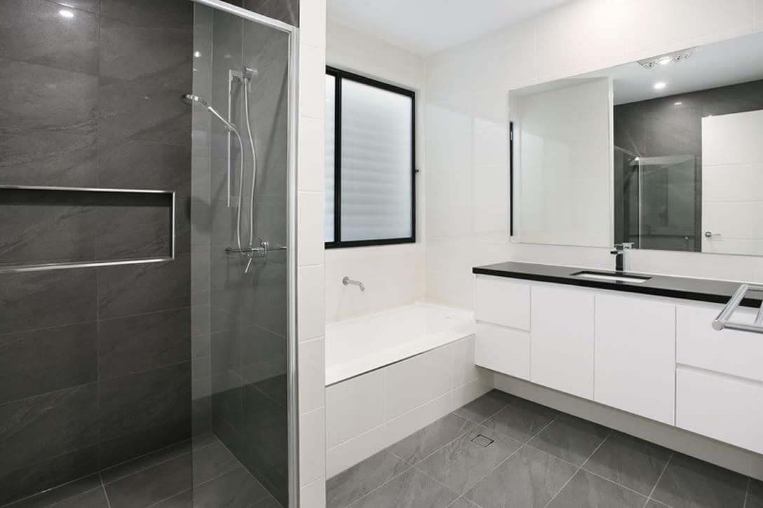 Luxury townhouse bathroom